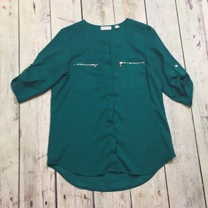 New York & Company Green Mid Sleeve Button up
